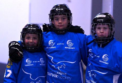 AMBISJONER: Vi skal på elitelaget, sier (fv) Odin Lie, Espen Jørgensen og Vebjørn Rønningen, som spiller på U12-laget til Narvik hockey.