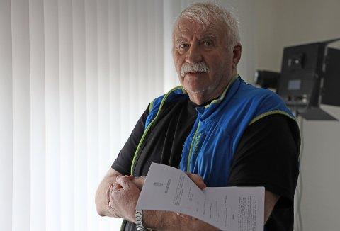 TRIST: Steinar Ure mener hans fars histore er trist: Han var med på Narvikfronten, men fikk aldri krigspensjonen han mente han hadde rett til. Det siste avslaget kom tre år etter hans død. FOTO: Fritz Hansen