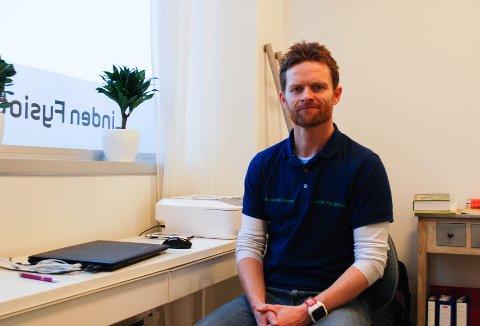 Pedersen har en lang fasttid innenfor yrke og har mange år jobbet med å spesialisere seg på dette må å få ned ventetiden blant pasienter. Blant annet ved hjelp av en prioriteringsliste.