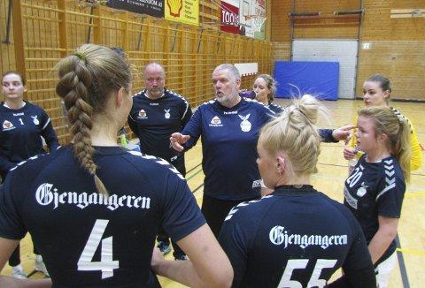 UBESEIRET: Bjørn Erik Hammer og Falk-kvinnene tok med seg alle poengene hjem fra Hønefoss.