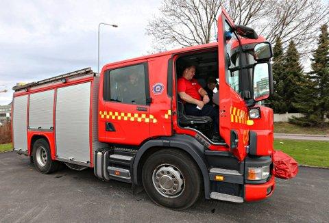 Opplæringen ledes av Runar Granstad, som er godkjent ekstern kursleverandør av Statens vegvesen, opplyser brannvesenet.