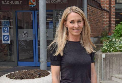 FRAMDRIFT: Vaksinekoordinator Linda Mehammer er imponert over alle som har stiltoppog bidrar til at vaksineringen går sin gang.