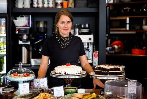 Monika Rosenvinge skal ikke lenger drive kafeen på Kunstmuseet. Uforståelig og uklokt, mener Camilla Bennin og Bjørn Arne Buer.