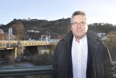 Gir ikke opp: Ordfører Thor Edquist forventer at Halden får et like godt tilbud om polititjenester og tilstedeværelse som de øvrige byene i Østfold. – Halden blir en fullverdig politistasjon og må dermed også få et fullverdig tilbud, sier han.