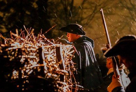 KARL XII: Fredag kveld fikk publikum selv bestemme om kula som drepte Karl XII ble skutt på nært hold.