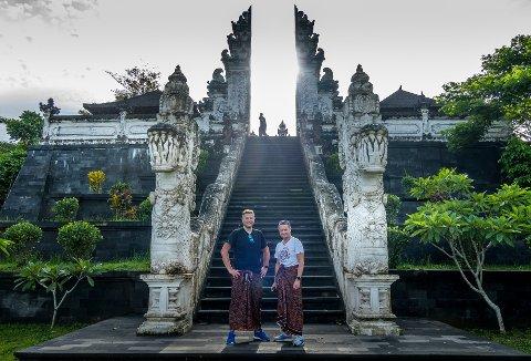 PÅ INSTAGRAMTUR: Trond-Atle Bokerød og Jan-Petter Dahl dro på ferie til Bali for å ta bilder.