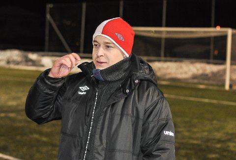 TILBAKE: Etter ett år i Lillestrøm SK, er Jørgen la Cour tilbake på treningsfeltet med Kvik Halden. At han nå leder a-lagstreningene, er likevel bare midlertidig.