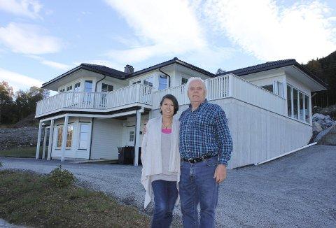 Uskedalen: To år etter flaumen var Shirley og Jan Nordli på plass i det nye huset i Kvinnherad. Arkivfoto: Kvinnheringen