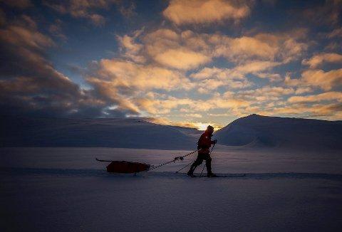 Ruta deltakarane går er den same Roald Amundsen gjekk i 1896, som ei førebuing til Sydpolekspedisjonen i 1911.  På deltakarlista i år står blant andre Ingvild Skare Thygesen og Eirik Sæbø Nilsen.