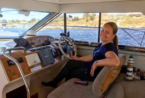 LEDIG: Kristine Leidland i Kobbernaglen Småbåtforening har båtplasser å tilby.