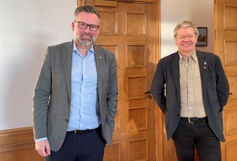 Jare Nilsen, ordfører i Karmøy og Arne-Christian Mohn, ordfører i Haugesund. Etter debatt om betydelig kostnadsøkning på veiutbedringer på Åkra og Vea, ble politikerne til slutt enige om veien videre.