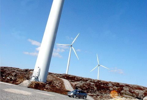 I NVEs nye veileder påpekes det at sjansen for å bli truffet av iskast fra vindmøller er veldig liten.
