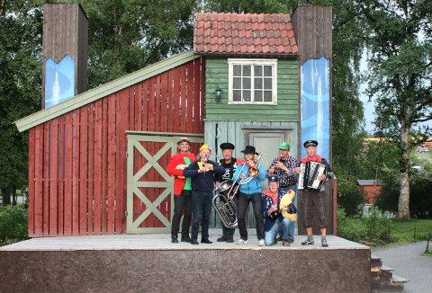 UNDERHOLDER: Levangeroktetten skal underholde seniorene i Inderøy og resten av Innherred.