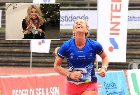 50 FØR 50: 50 maratonmedaljer rundt halsen. Trude Håland har løpt 50 maraton i 14 ulike land i tre verdensdeler. Her før målgangen i Odense høsten 2016, nummer 24 i rekka. Følelsene sitter løst når målstreken kun er noen meter unna.