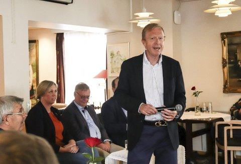 LOBBYIST: Vidar Ullenrød har sammen med daglig leder i Hval Sjokoladefabrikk brukt mye tid på å bearbeide stortingspolitikerne om sukkeravgiften. Foto: Ulrikke Granbakken Narvesen
