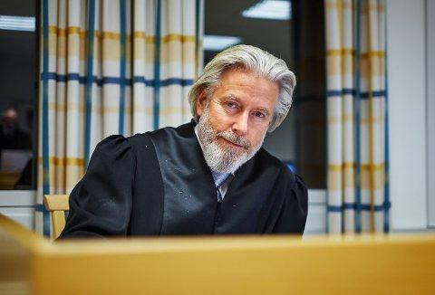 FORNØYD: Audun Lillestølen er Kate Johansens advokat. Han var 98 prosent fornøyd etter tingrettsdommen. Nå har dette sunket til 92. Nå venter Høyesterett.