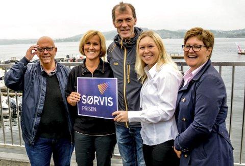 Første runde: Nicolai Jørgensen fra KV til venstre og Ann Torild Flaten Sparebanken Sør til høyre. I midten Mette Knudsen, Jørgen Thorsen og Solfrid Løite Rogn.
