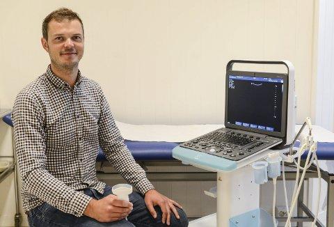 Ultralyd: Bernt Filip Kristiansen Hasseleid er en av få allmennpraktiserende leger som tilbyr ultralyd.
