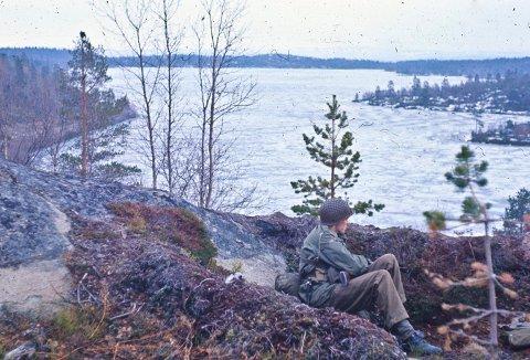 ANSPENT: Bildet er tatt av tidligere grensejeger og Kongsberg-mann Tor Eivind Engelstad under den sovjetiske oppmarsjen i 1968.