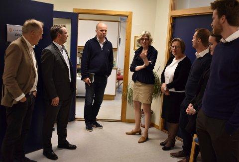 Trygve Slagsvold Vedum besøkte sorenskriver Liv Synnøve Taraldsrud og flere andre i Kongsberg og Eiker tingrett i forrige uke.