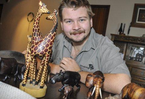 UTFORSKER: Lars Christian Rusthen forlot hjemmet på Tranby for å utforske Afrika og utdanne seg til safariguide. Botswana og Sør-Afrika er definitvt annerledes enn Lier, men han tar gode minner med seg hjem. FOTO: GURO HAVERSTAD TORGERSEN