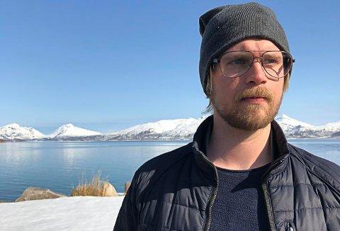 Mats Lund i Kabelvåfg foreslår en slags mære for å samle opp søppelet som dumpes på hav sammen med snøen
