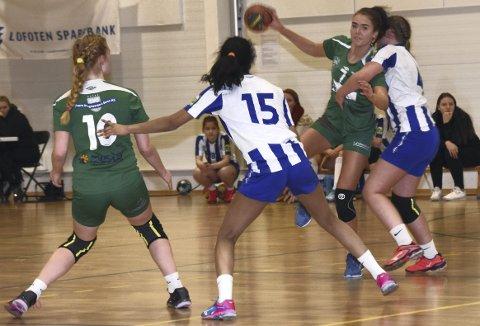 SEKS: Victoria Sandnes stoppet på seks scoringer, tre av dem på sjumeter. Foto: Eirik Eidissen