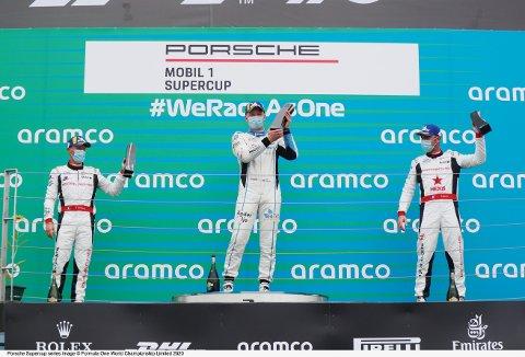 TOK TILBAKE LEDELSEN: Søndag ble Roar Lindland nummer en i mål under helgens billøp. Det betyr at han nå leder Porsche Supercup.
