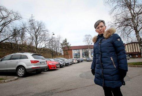 NOVEMBER 2018: Ordfører Hanne Tollerud måtte erkjenne at utvidelsen av Mossehallen var i strid med kommunens egen reguleringsplan og Bane NORs planer om en rømningsvei for jernbanetunnelen. Nå er flokene løst.