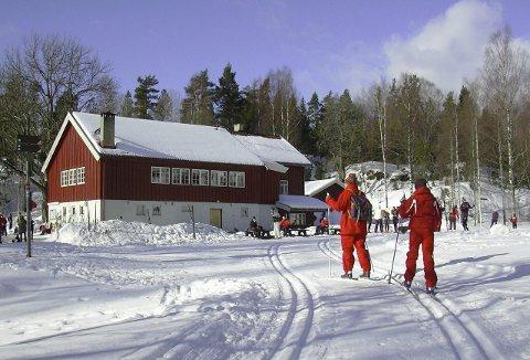 TURVEI/SKILØYPE: Mellom Sandbakken (bildet) og Sølvdobla er det planlagt en n grusvei som kan brukes som skiløype om vinteren. Arkivfoto