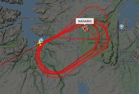 NASA-FLY: Flyet beveger det seg over Midt-Troms mellom Bodø og Alta, som det sirkulerer over her.