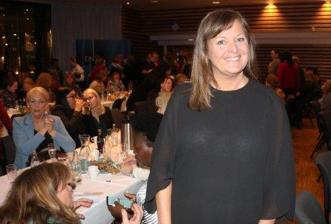 BER KVINNER SPARE: Nina Solstad i DNB mener norske kvinner må bli bedre til å spare i fond og aksjer. Foto: Silje Løvstad Thjømøe