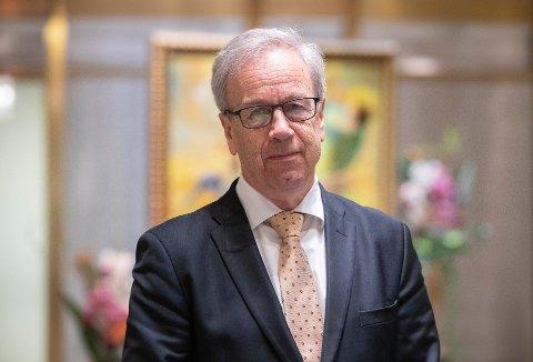 RENTEHINT: Bankenes sjeføkonomer tror sentralbanksjef Øystein Olsen vil hinte til renteoppgang i desember torsdag.