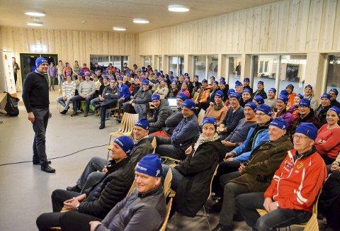 INFORMERTE: Rennleder for ski-NM 2017, Terje Nilsen, ga funksjonærene praktisk informasjon om helgens norgescuprenn og neste års mesterskap ved Lygna skisenter.