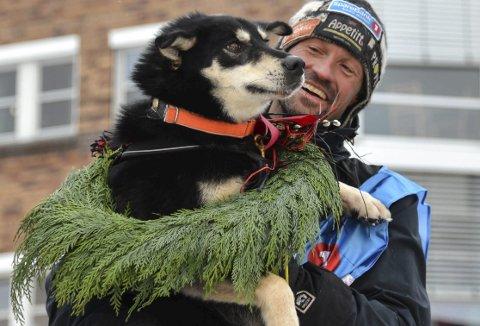 SUVEREN: Hundekjøreren fra Torpa hadde seieren i sin hule hånd helt siden løpet var i Øst-Finnmark.Foto: Finnmarksløpet / NTB scanpix