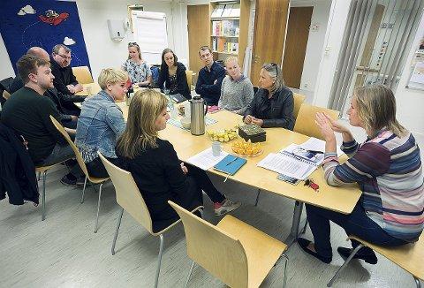Viktig møte: Ellen Kathrine Larsen (t.h.) ledet møtet mellom helsestasjonen for ungdom og studenter, lokalpolitikere, SIÅs og studenttinget. foto:ole kr. trana