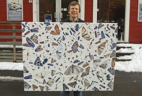 Insektsommer: En samling insekter er blitt til et kunstfotografi. Det henger på utstillingen til Pål Hermansen i Galleri Havstad i Ski i forbindelse med Naturfotofestivalen denne helgen. Utstillingen blir hengende én måned.                                                                                                                                                                                                               foto: ole kjeldsberg Endresen