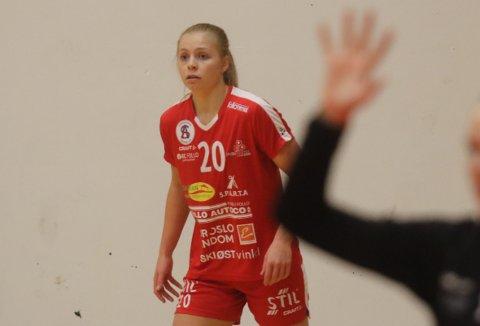 KLAR FOR FOLLO: Elsa Maria Åsberg snakker null svensk, men spiller på det svenske juniorlandslaget. Nå blir hun Follo-spiller.