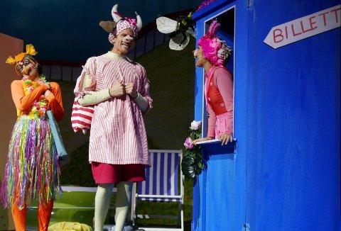 LEVENDE SKUESPILLERE: Riksteatret hadde suksess med dukketeaterversjonen av Bukkene Bruse på Badeland. Nå kommer den levende versjonen.