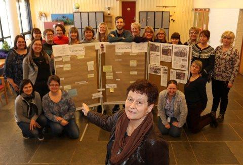 KLAR TALE:  Lærerne ved Vålbyen skole, med Åse Lonkemoen Hansen foran, er klar i sin tale og skuffelse over at Lanternen 2 er foreslått med aktivitetshus nærmere sentrum.