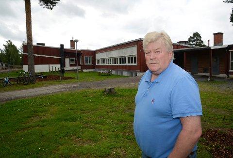 MÅ BREMSE: – Vi må bremse litt nå og la det nye kommunestyret avgjøre hvor mye vi skal bygge. Vålbyen skole bør ikke rives selv om vi skal bygge ny skole. Den kan brukes i andre sammenheng, sier Kjell Ivar Berget.