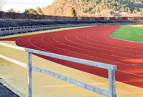 KJØLNES STADION: Urædd får lov til å sette opp lys på Kjølnes stadion.