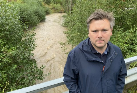 SKUFFET: Georg Andreas Steintveit er leder i Hovenga og omegn vel. Han sier de håper politikerne ikke vedtar å frafalle rekkefølgekravet om snarvei under fylkesvei 32 i førstkommende UMB-møte.