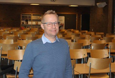 FORSTÅR ELEVENE: Jan Freddy Gusfre.