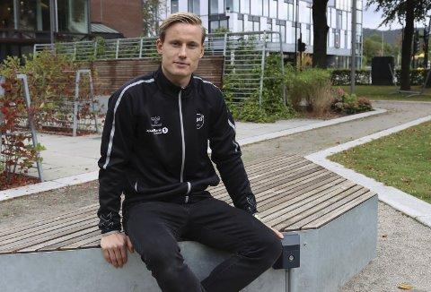 VIL TILBAKE: Sondre Rossbach har mistet plassen som førstekeeper i Odd. Han insisterer på at han ikke surmuler, og at han bruker vrakingen som motivasjon for å jobbe enda hardere. Han sier han skal tilbake på laget så fort som mulig.