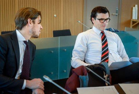 Rettssak i Rana Tingrett. Korgenranet. Advokatfullmektig Alexander Rydberg Greaker og Einar Grape forsvarer de to tiltalte.