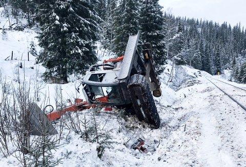 Nesten 4.000 liter diesel rant ut av lokomotivet etter at det kolliderte med en gravemaskin i starten av desember.