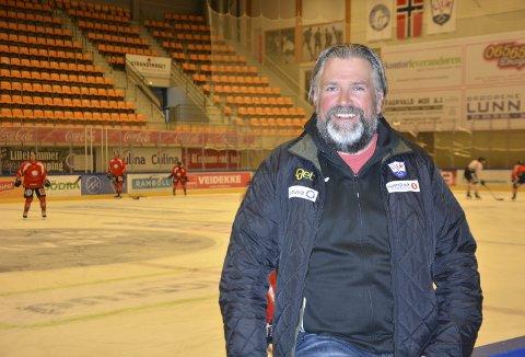 Har løftet klubben: Atle Svensrud fra Lismarka, som til daglig jobber som salgssjef for Ringnes, har bidratt til at Lillehammer nå er lag i norgestoppen. Tirsdag droppes den første pucken i finaleserien mot Storhamar og de har presset, mener han.