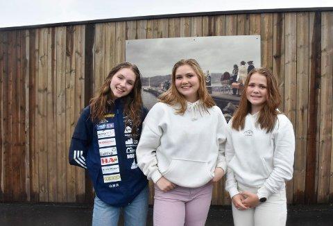 LÆRERIKT: Oda Malene Rydland, Maiken Emilie Pedersen og Dina Maria Øverby var tre av 25 elever som deltok i Ringsaker kommunes kulturminneprosjekt.