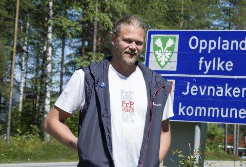 Are Granheim topper for Frp i Jevnaker, men forstår han seg på kommuneøkonomi, under SVs Tommy Lafton.
